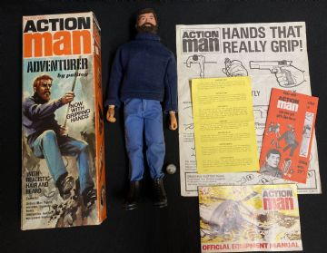 ACTION MAN - ADVENTURER with Gripping Hands BOXED - 1st issue 73 Box
